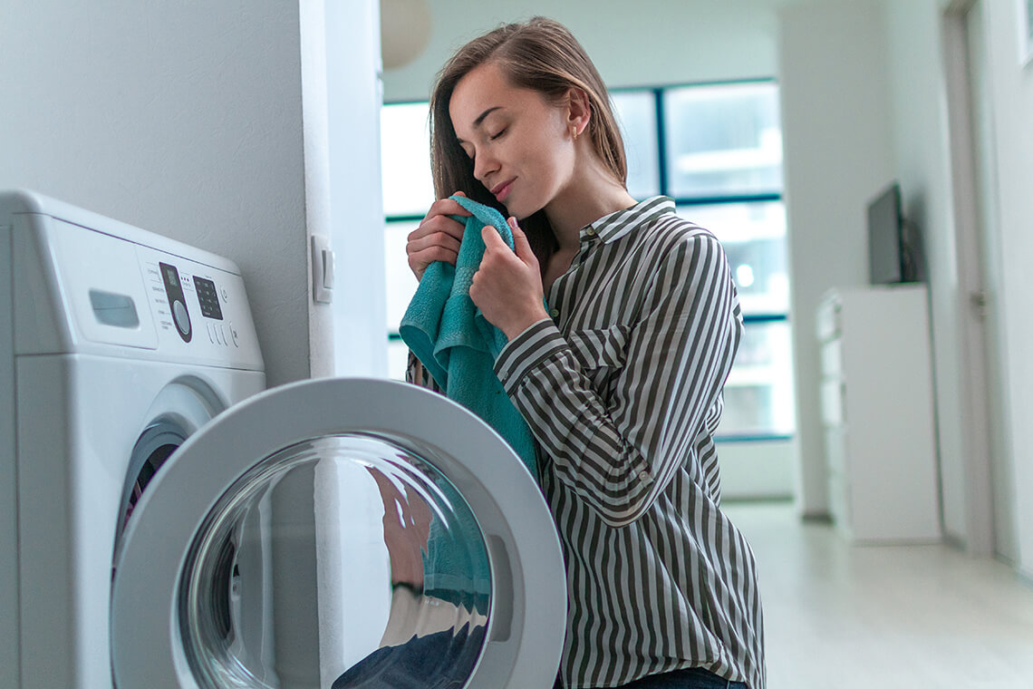 How to get rid of gasoline smell from your clothes at home