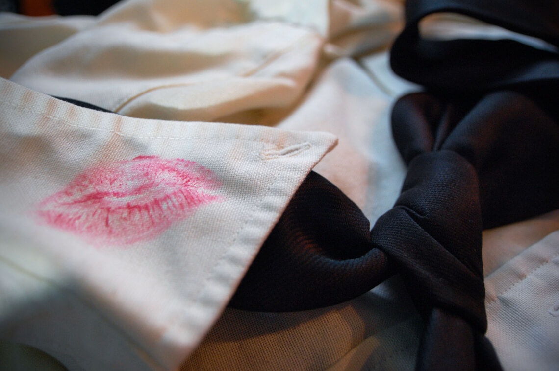 How to remove lipstick stains and high color spots from clothes