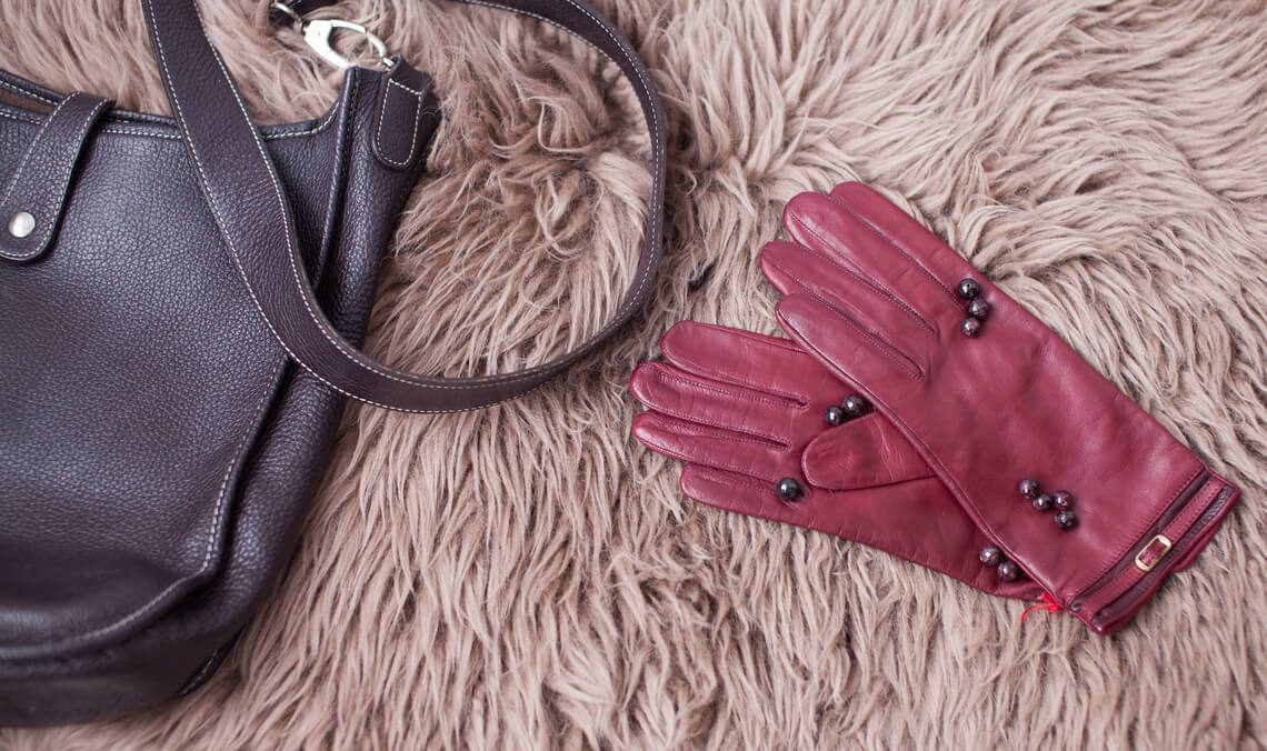 How to clean black, colored or white leather gloves