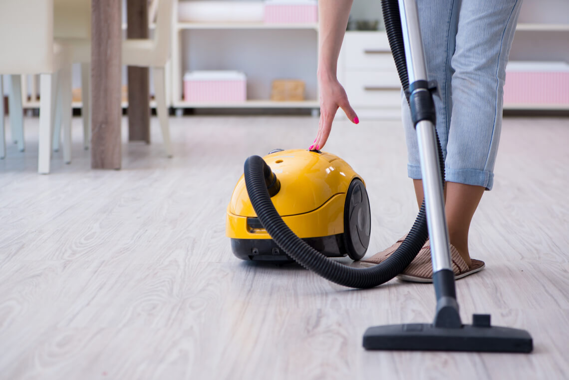 How to clean the vacuum cleaner after use