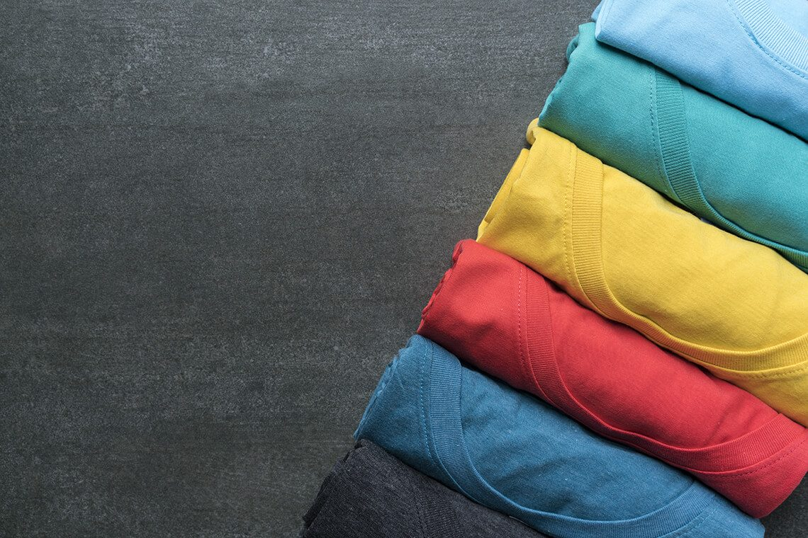 How to fold a t-shirt in a suitcase or into a closet neatly
